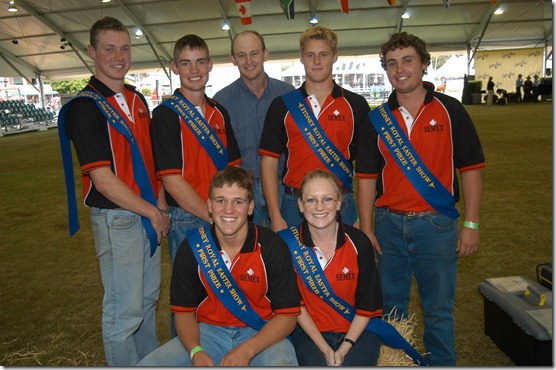 6 Youth Challenge Winners NSW Semex team with Dr Neil Moss of Cows r US