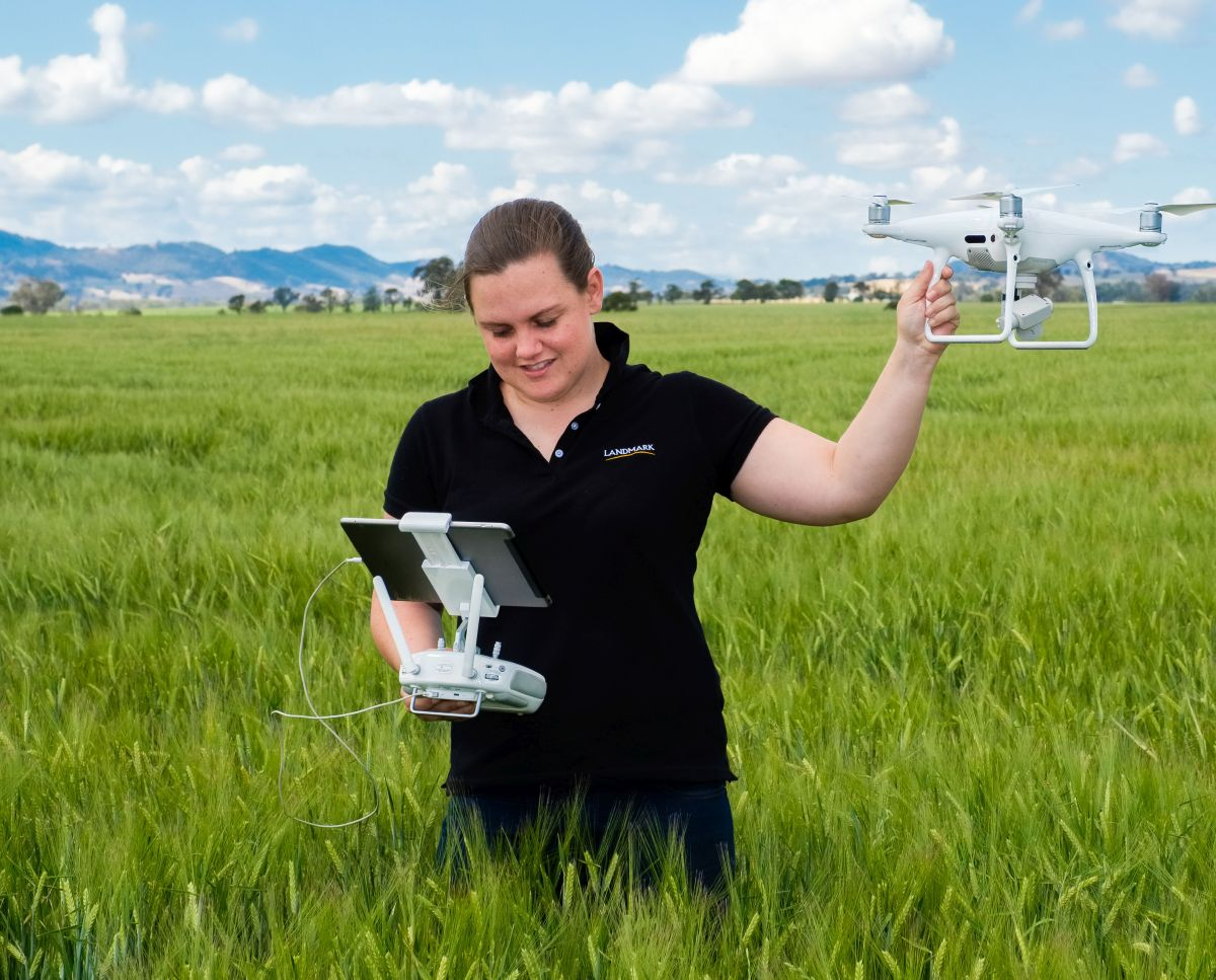 Cotton Young Farming Champion Casey Onus takes farming technology into theclassroom